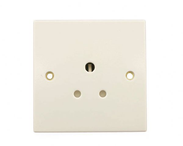 British General 929-01 - White Moulded - 5a Round Pin Shuttered Socket New